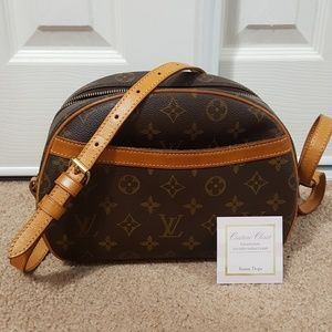 Louis vuitton blois crossbody shoulder bag